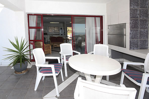 Jeffreys Bay self catering accommodation Jeffreys Bay Pinnaquin self catering Apartments