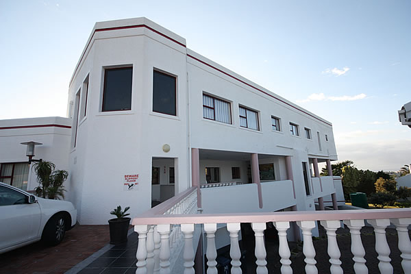 Jeffreys Bay self catering accommodation Jeffreys Bay Pinnaquin